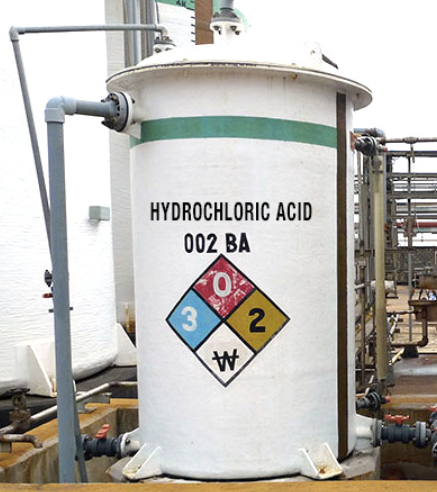 Hydrochloric acid container with a Corzan CPVC liner and piping