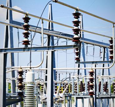 Líneas de energía de la planta de generación de energía