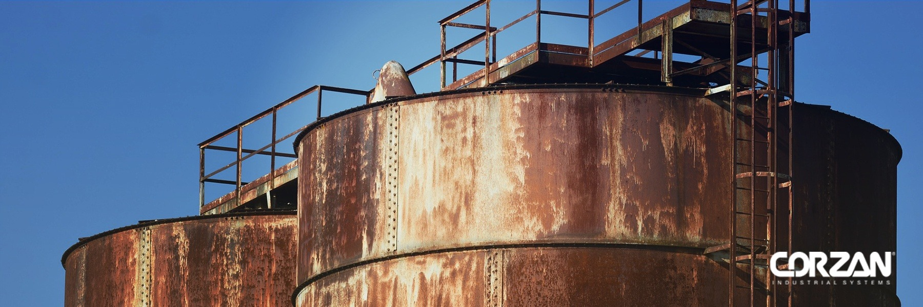 IMPORTANT CONSIDERATIONS TO SAFELY STORE AND HANDLE CORROSIVE ACIDS AND BASES IN INDUSTRIAL PLANTS