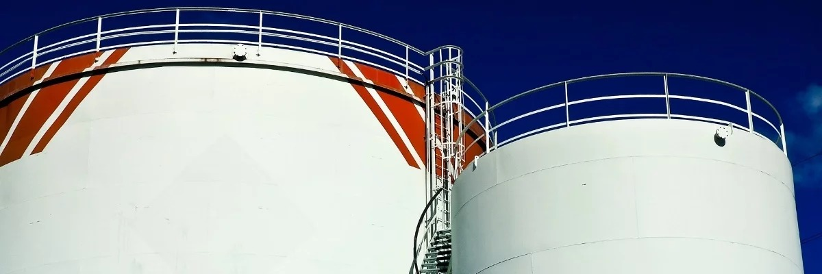 WHY CHEMICAL STORAGE TANK FABRICATOR TRI-CLOR ONLY SPECIFIES CORZAN®CPVC